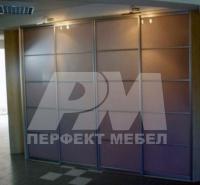 Компактен гардероб с плъзгащи се врати София фирми